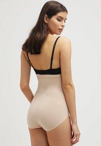 Spanx - HIGHER POWER - Shapewear - soft nude - 2