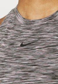 Nike Performance - TANK  - Débardeur - black - 3