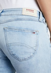Tommy Jeans - LOW RISE SOPHIE  - Jeans Skinny Fit - hawaii light blue - 3