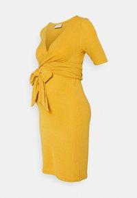MAMALICIOUS - MLKOLETTE TESS - Žerzejové šaty - amber gold - 0
