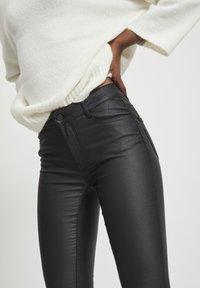 Vila - VICOMMIT - Jeans Skinny Fit - black - 4