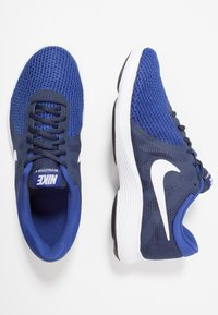 Nike Performance - REVOLUTION - Zapatillas de trail running - uomu blu - 1