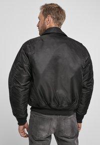Brandit - Lehká bunda - black - 3