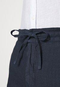 120% Lino - TROUSERS - Kalhoty - blue navy - 4