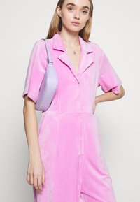 Monki - SAMMI - Jumpsuit - pink - 3