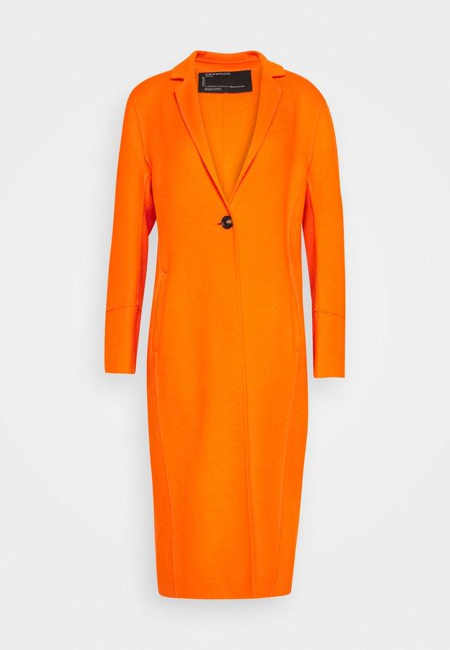 HELSINKI - Cappotto classico - orange