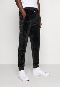 Glorious Gangsta - MARENO JOGGER - Pantalon de survêtement - black - 0