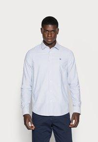 Scotch & Soda - REGULAR FIT OXFORD SHIRT WITH STRETCH - Shirt - off white - 0