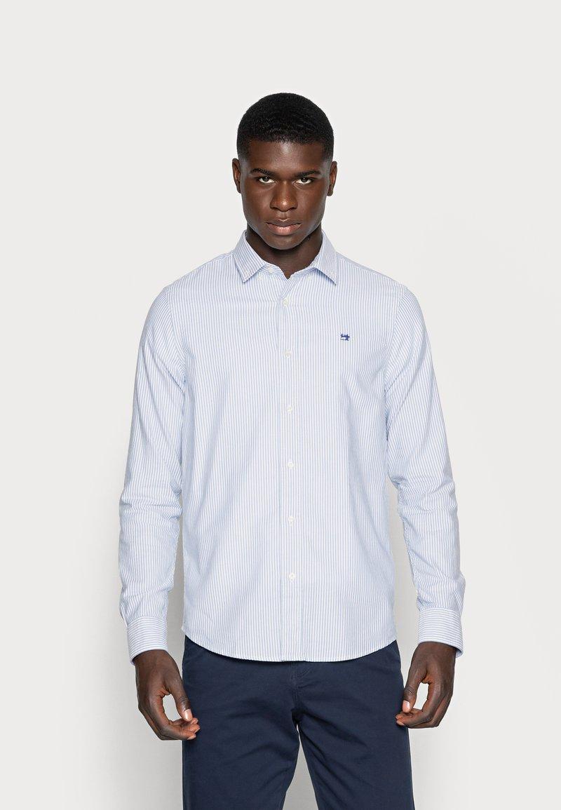 Scotch & Soda - REGULAR FIT OXFORD SHIRT WITH STRETCH - Shirt - off white