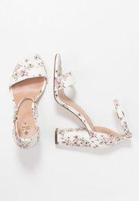 Call it Spring - TAYVIA  - Højhælede sandaletter / Højhælede sandaler - white/multicolor - 3
