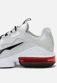 Nike Sportswear - AIR MAX INFINITY 2 - Trainers - white/black/university red/photon dust - 6