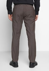 Isaac Dewhirst - CHECK SUIT - Suit - brown - 5