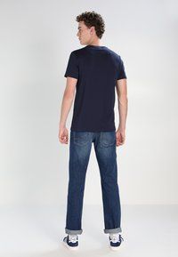 Lacoste - T-shirt basic - navy blue - 2