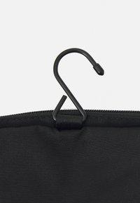 Pier One - UNISEX - Kosmetická taška - black - 3