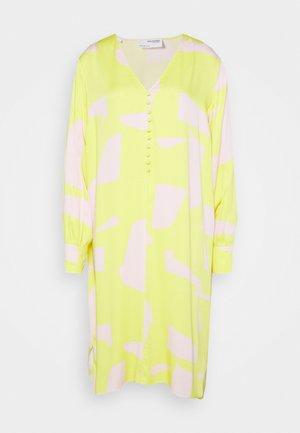SLFILLI DYNELLA DRESS  - Denní šaty - green sheen