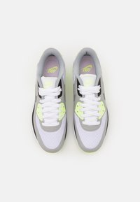 Nike Golf - AIR MAX 90 G - Zapatos de golf - white/particle grey/black/light smoke grey - 3