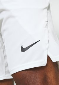 Nike Performance - FLX ACE - Sports shorts - white/black - 5