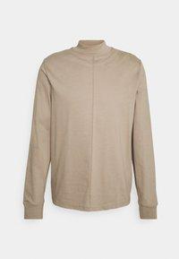 Filippa K - M. MARLON MOCK-NECK LONGSLEEVE - Long sleeved top - desert taupe - 6