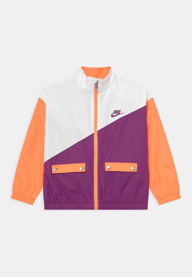PACKABLE WIND  - Training jacket - atomic orange
