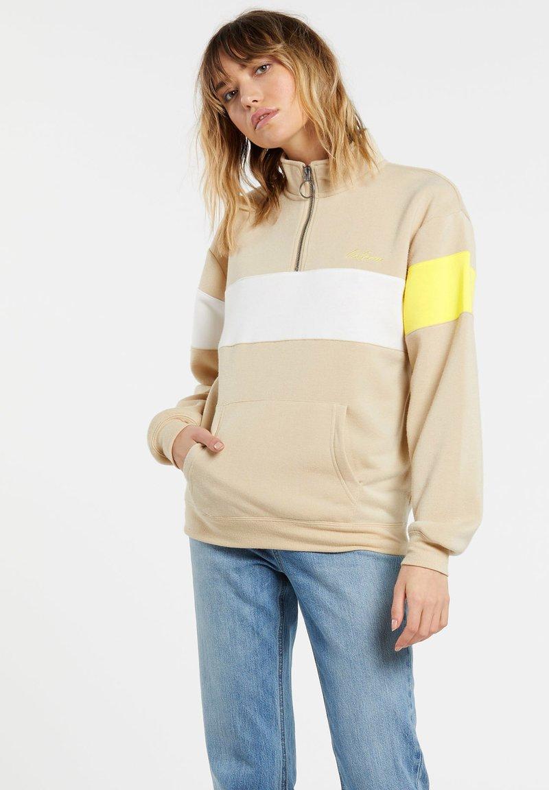 Volcom - SHORT STAXX PULLOVER - Sweatshirt - pale_khaki