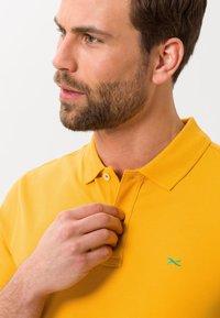 BRAX - STYLE PETE - Polo shirt - honey - 3