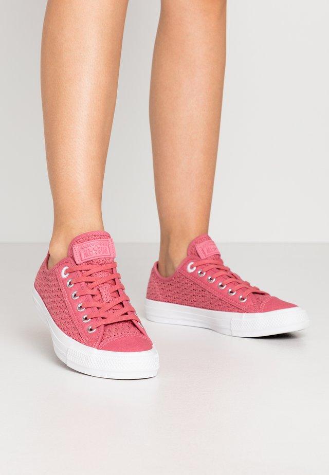 CHUCK TAYLOR ALL STAR - Tenisky - madder pink/white/black