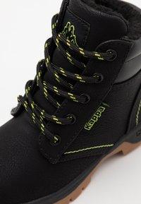 Kappa - CAMMY UNISEX - Outdoorschoenen - black/lime - 5