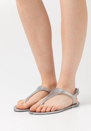 EMMA FLAT - Tongs - silver