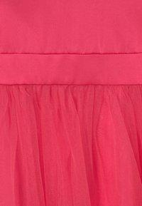 Chi Chi Girls - CHERYL DRESS - Koktejlové šaty/ šaty na párty - fuschia - 2
