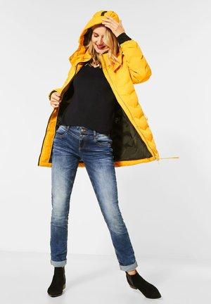 MIT MODERNER STEPPUNG - Winter jacket - orange