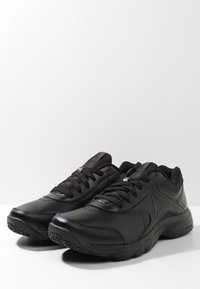 Reebok - WORK N CUSHION 3.0 - Neutral running shoes - black - 2
