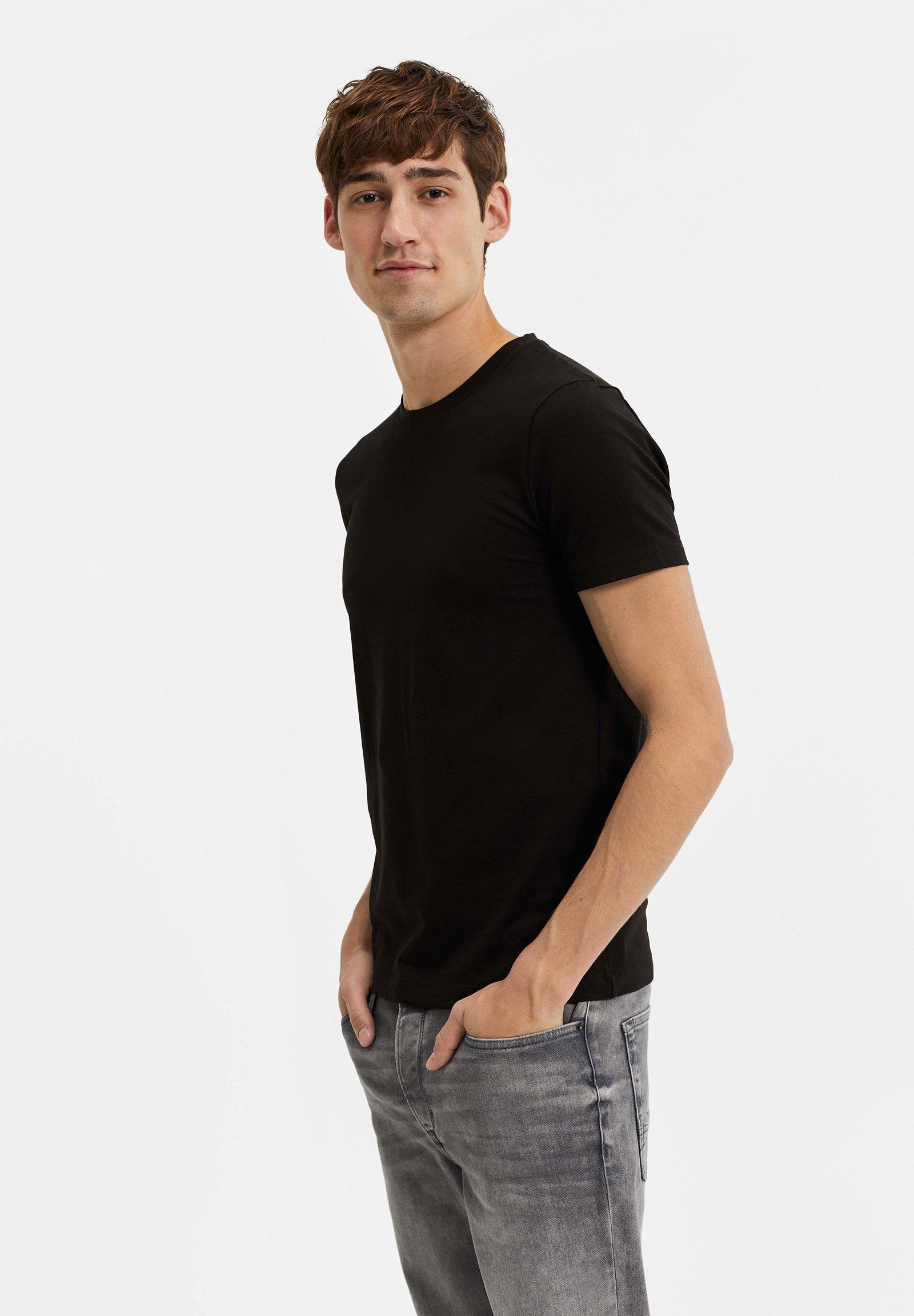 HERREN   T Shirt basic   black