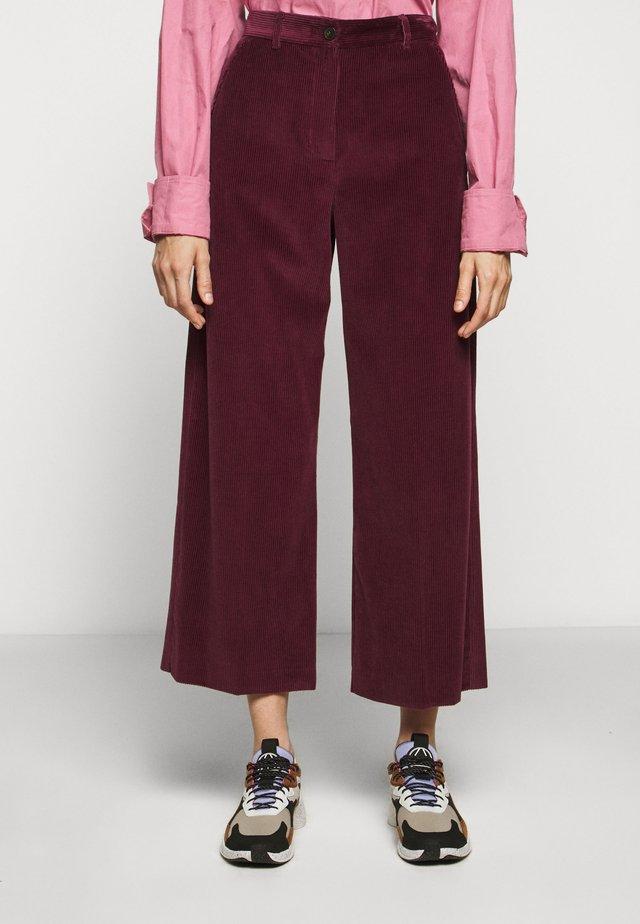 TOBIA - Pantalon classique - pflaume