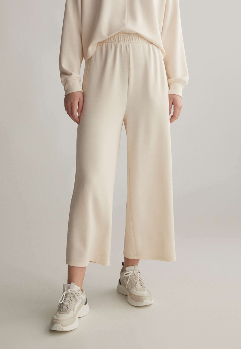 OYSHO - Trousers - white