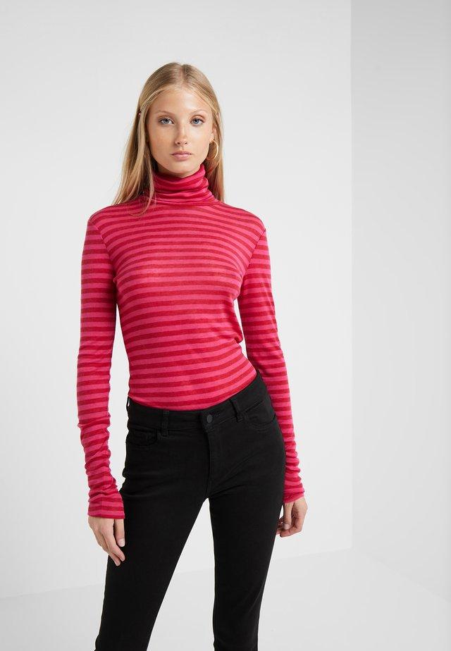 Sweter - ruby