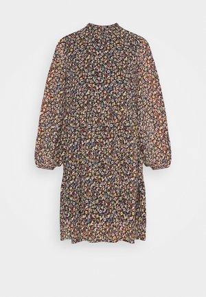 PCMACYA DRESS - Robe d'été - black