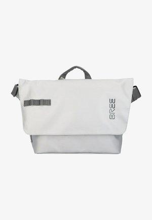 PUNCH  - Across body bag - chrome