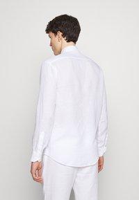 Frescobol Carioca - REGULAR - Shirt - white - 2