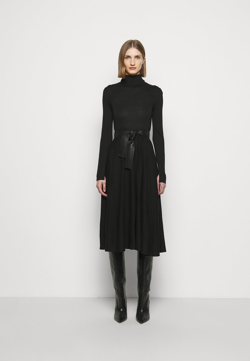 MAX&Co. - DARAI - Strikket kjole - black