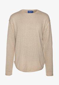 Jack & Jones - JORRAID SCOOP NECK  - Stickad tröja - crockery/oversize - 4