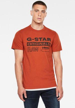 WAVY LOGO ORIGINALS - T-shirt print - cinnamon orange