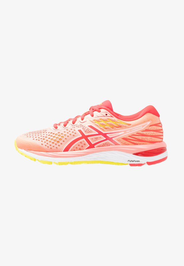 GEL-CUMULUS 21 - Neutral running shoes - sun coral/laser pink