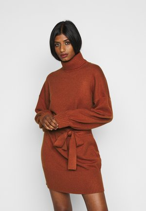 LEOTI - Jumper dress - brown