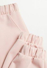 Mango - MONICA - Teplákové kalhoty - rose pastel - 5