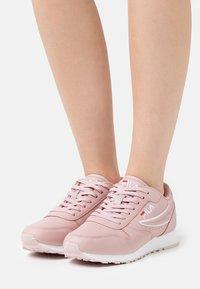 Fila - ORBIT - Sneakers basse - pale mauve - 0