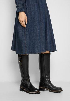 ERINE - Vysoká obuv - black
