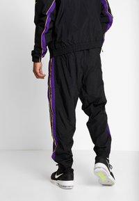 Nike Performance - NBA LA LAKERS RETRO TRACKSUIT - Pelipaita - black/field purple - 4