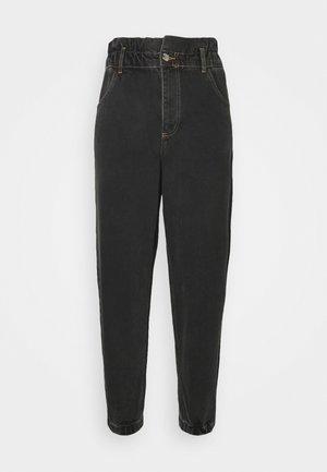 ONLOVA ELASTIC LIFE CARROT - Relaxed fit jeans - black denim