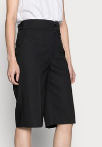 InWear - ZELLAIW BERMUDA - Shorts - black - 3