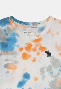 Abercrombie & Fitch - NOVELTY PATTERN  - Print T-shirt - orange - 2